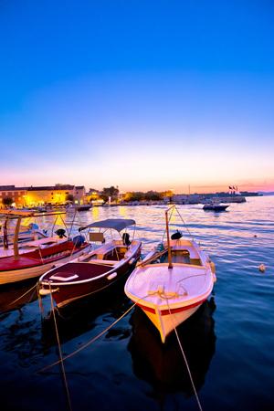 Supetar 물가 하버 저녁보기, Brac 섬, 달마 티아, 크로아티아