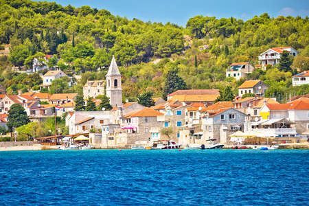 Prvic Luka island village waterfront view, Sibenik archipelago of Dalmatia, Croatia 版權商用圖片