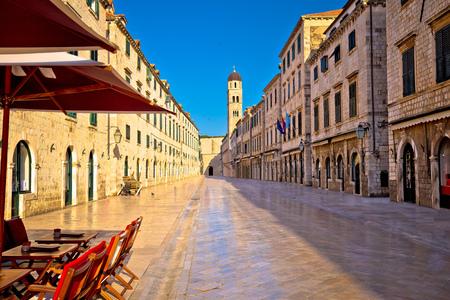 Famous Stradun street in Dubrovnik landmarks view, Dalmatia region of Croatia 스톡 콘텐츠