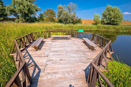 コパッキリット湿地自然公園鳥類展望台と木造遊歩道、クロアチアのバラニャ地方