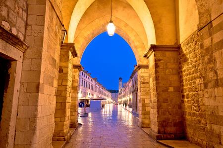Stradun view from Ploce gate in Dubrovnik, Dalmatia region of Croatia Imagens
