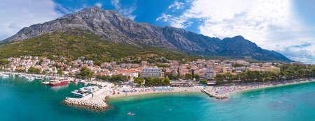 Adriatic town of Baska Voda beaches and waterfront aerial panoramic view, Dalmatia region of Croatia Stock fotó
