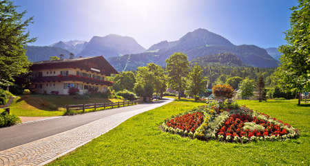 Bavarian Alpine landscape near Koenigsee and old wooden architecture view, Berchtesgadener Land, Bavaria, Germany 免版税图像