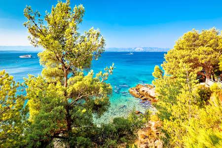 Secret hidden turquoise beach yachting and sailing destination in Bol, Island of Brac, archipelago of Dalmatia, Croatia Standard-Bild