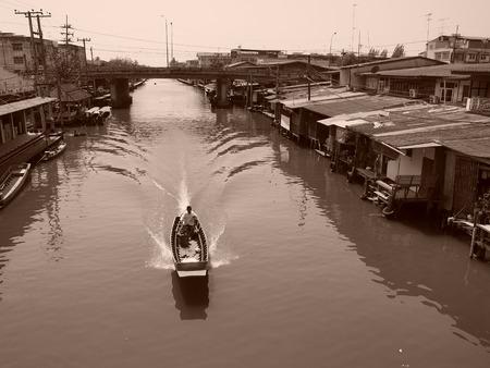 riverside: Local life in riverside