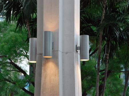Columna arquitectónica característica con la iluminación Foto de archivo - 30600198