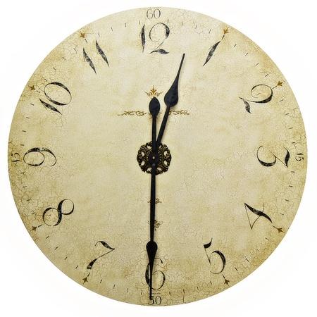 Старые стены старинные часы на белом Фото со стока