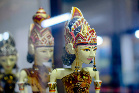 Row of head of wooden puppet from west java,  with elegant and beautiful face Standard-Bild
