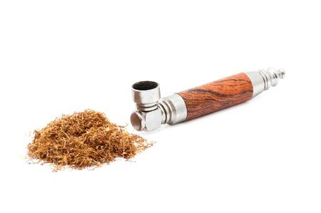 tabaco: Tabaco de pipa aisladas sobre fondo blanco Foto de archivo