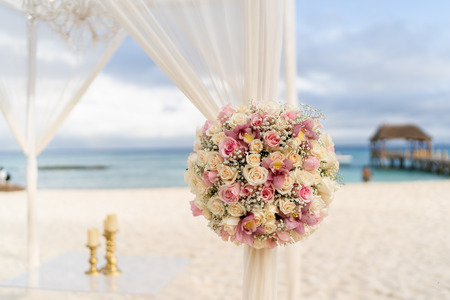 Decoration of a beach wedding on the beach with sea in the background Stok Fotoğraf