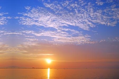 puesta de sol: Material de antecedentes de cielo mar Sunset Foto de archivo