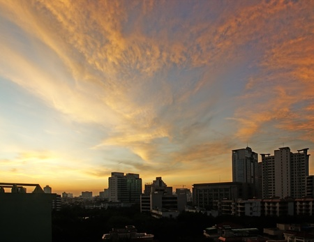 occur: China tropical coastal city of Haikou, the sky often occur  beautiful clouds