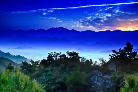 The mountains, Clouds and sunrise - Beautiful landscape of ZiYuan  County Guangxi, China 免版税图像 - 11312271
