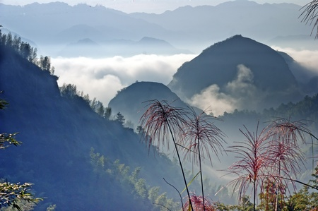 The mountains and Clouds  - beautiful landscape of ZiYuan  County Guangxi, China 免版税图像 - 11312274