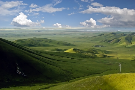 Plateau Mountains Take In the Chinese Gansu province Maqu County 免版税图像