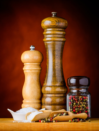 peppercorn: Salt and Peppercorn with salt mill grinder and Pepper mill grinder