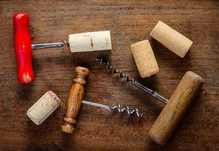 the opener: Different corksrew and cork wine opener