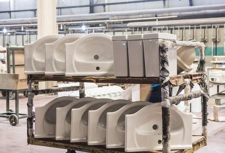 Ceramic Factory is producing ceramic sanitary ware - Luannan County, Tangshan City