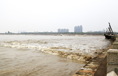 The tide of the Qianjiang River