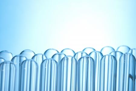 industria quimica: muchos tubos de ensayo invertidos
