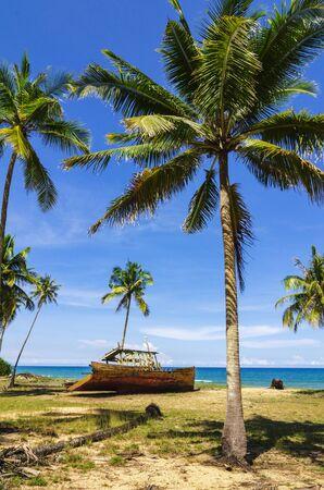 beauté dans la nature, Terengganu, plage de Malaisie sous une belle journée ensoleillée et un ciel bleu