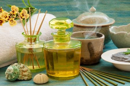 Herbal and oil treatment equipment in relaxing spa scene  Banco de Imagens