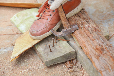 hammer with nail photo