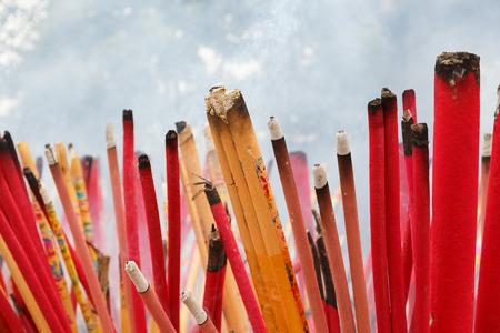 quemadura: quemar incienso Foto de archivo