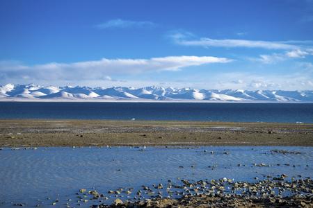 チベットでナムツォ湖の美しい風景