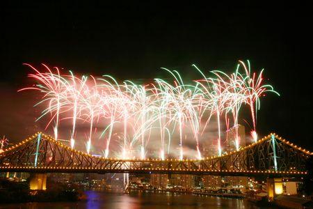 cel: Fuochi d'artificio a Story Bridge durante River Festival, Brisbane - Australia  Archivio Fotografico