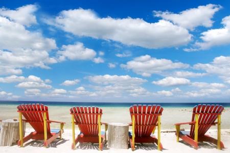 strand australie: Resort strandstoelen op Lombok, Indonesië Stockfoto