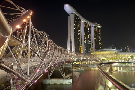 Night shot of Marina Bay Sands Hotel and Integrated Resort andThe Helix Bridge Stock Photo - 10900399