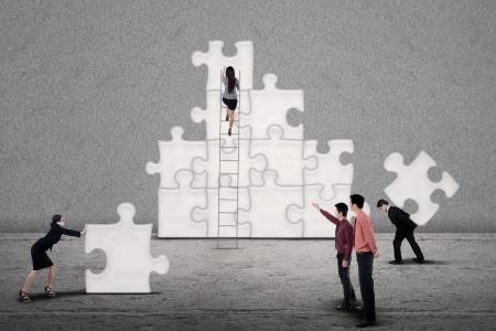 Travail d'équipe puzzles Construire ensemble