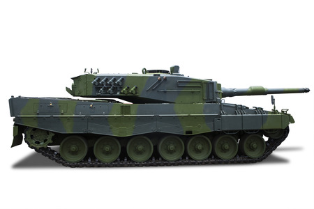 batallón: Tanque militar retro aislado sobre fondo blanco