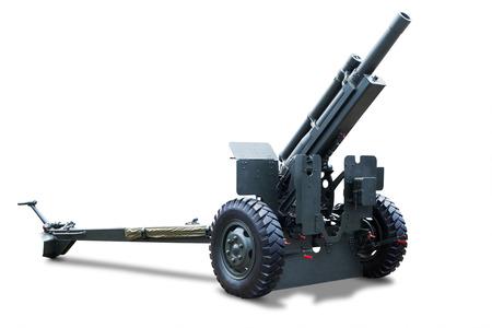 batallón: Disparo de cañón viejo aislado en el fondo blanco