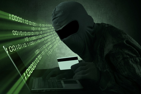 internet fraud: Hacker using stolen credit card