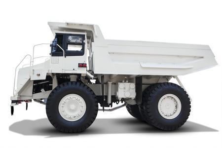 camion minero: Imagen del carro de mina con el color blanco y el cuerpo grande, aislado en fondo blanco Foto de archivo