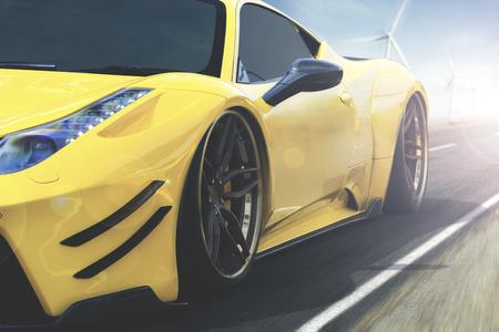 Het beeld van luxeauto met gele glanzende kleur verzendt op de weg met onduidelijk beeldachtergrond