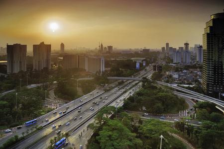 Vogelmening van nieuwe Semanggi-weguitwisseling in Djakarta, Indonesië