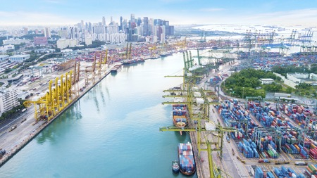 Singapore. November 06, 2017: Aerial landscape of the Port of Singapore with downtown background Éditoriale