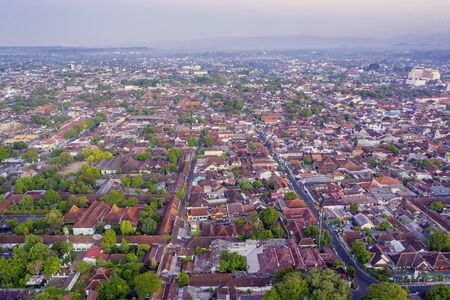 Top view of dense residential houses at morning time in Yogyakarta city, Indonesia 版權商用圖片