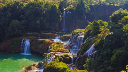 Een charmante waterval Stockfoto