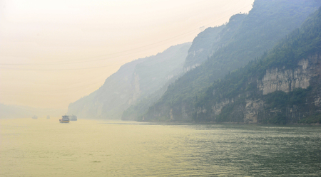 On May 30, 2011, three gorges of the Yangtze river in China The three gorges on the Yangtze river are a spectacular grand canyon in the Yangtze river, one of Chinas ten scenic spots. It is composed of qutang gorge, wuxia and xiling gorge, which span 191  版權商用圖片