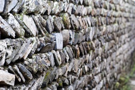 Muro de piedra, planos apilado de fondo y textura.  Foto de archivo - 8197691