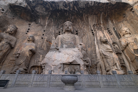 Longmen Grottoes is one of the 3 major Buddhist caves of China 免版税图像