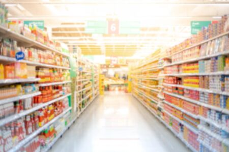 Abstract blurred effect Full of the oil bottle at Shelves in a Supermarket prepare due to people panicking and hoarding groceries in fear of the CoronaVirus Outbreak. Covid-19 pandemic world crisis. 스톡 콘텐츠