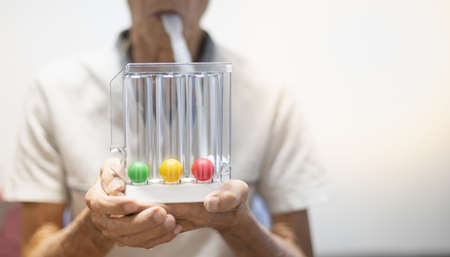 The Tri-ball incentive spirometry is medical equipment for elderly or patient with post operation. For Lungs function testing & Pulmonary test.