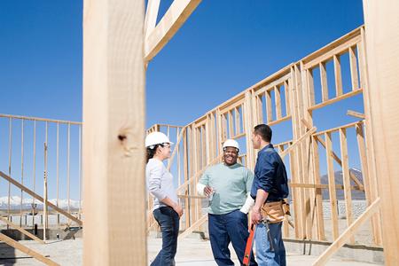 mujer trabajadora: Constructores tomando un descanso