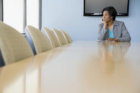 reunion de trabajo: Empresaria en la sala de juntas