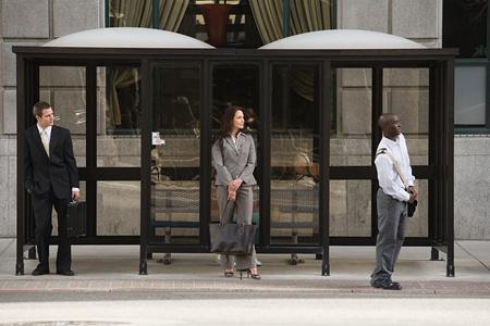 People waiting for bus Standard-Bild